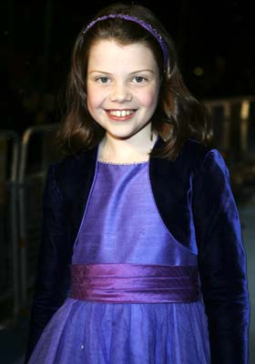 http://www.narniaespanol.com/resources/images/gallery/895_georgie_henley.jpg
